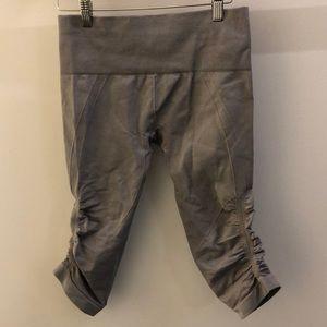 lululemon athletica Pants - Lululemon gray Ebb and Flow legging, sz 6, 69020